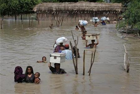 2738-onu-teme-por-ni-os-en-pakist-n-inundaciones-amenazan-pueblos