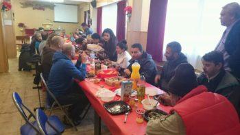 Comida solidaria en ADRA Donosti