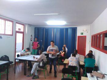 Taller de instalaciones eléctricas y de reparación de móviles en Vitoria-Gasteiz