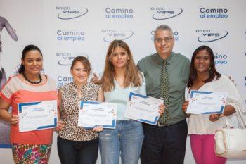 Graduación de alumnos en prácticas del curso de camarero/a de sala en ADRA Madrid